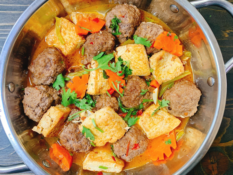 牛肉丸子豆腐煲
