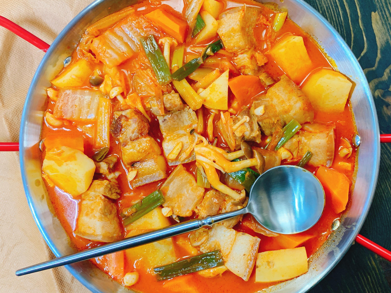 辛奇燉五花肉(韓式泡菜燉五花)