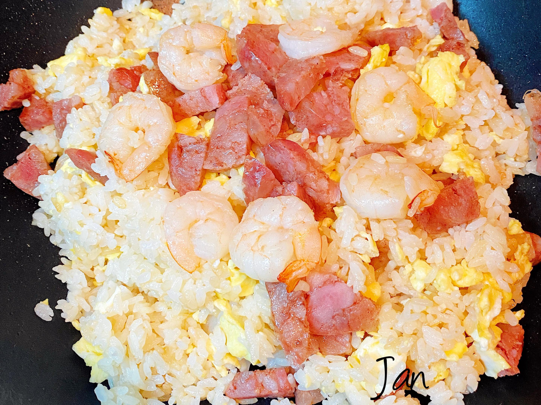《台式》香腸蝦仁蛋炒飯