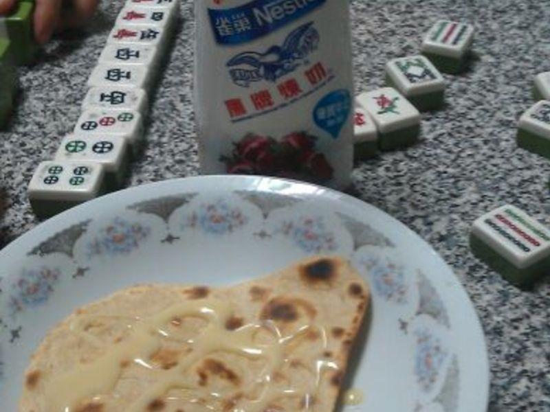印度麥餅(加上鷹牌煉乳...)