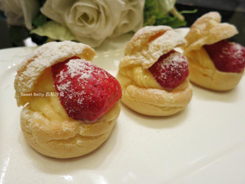 草莓卡士達泡芙