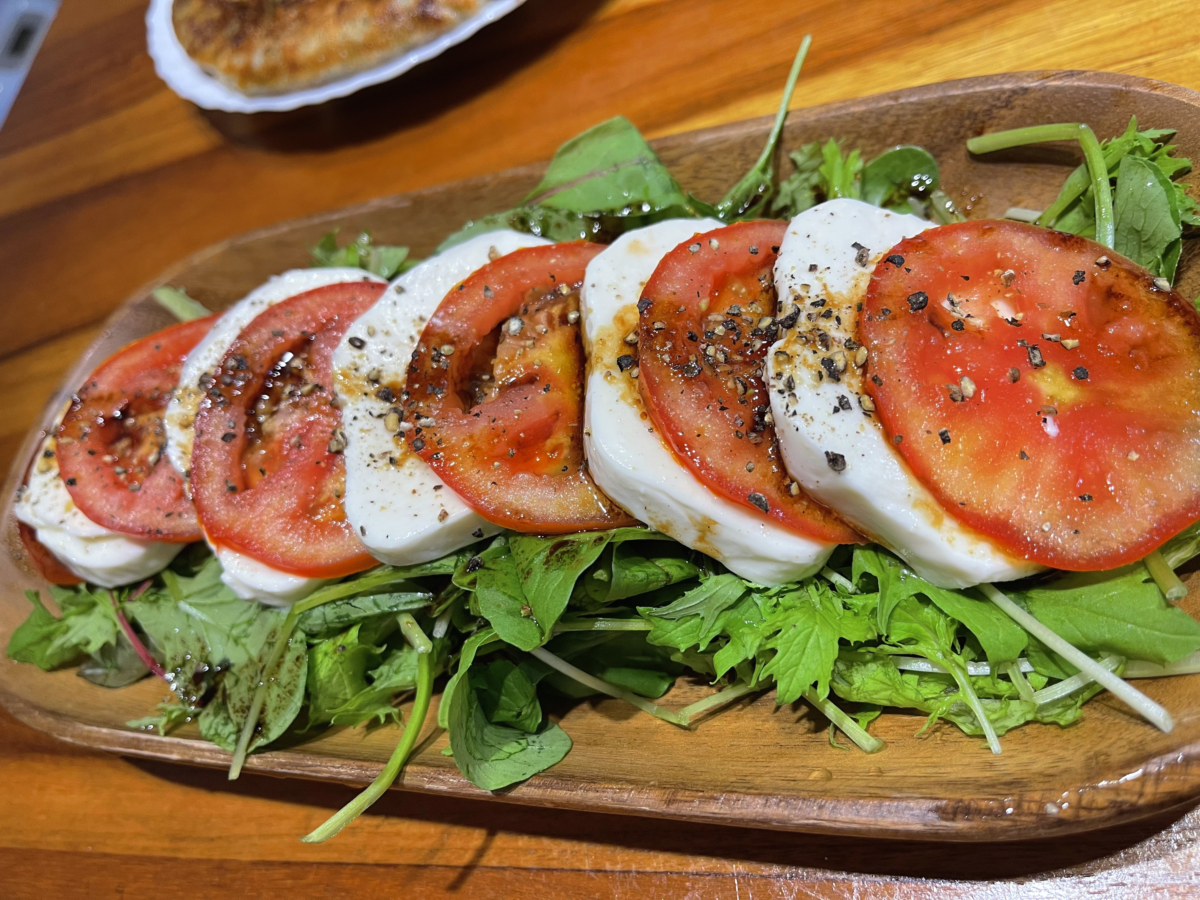 莫札瑞拉乳酪番茄沙拉