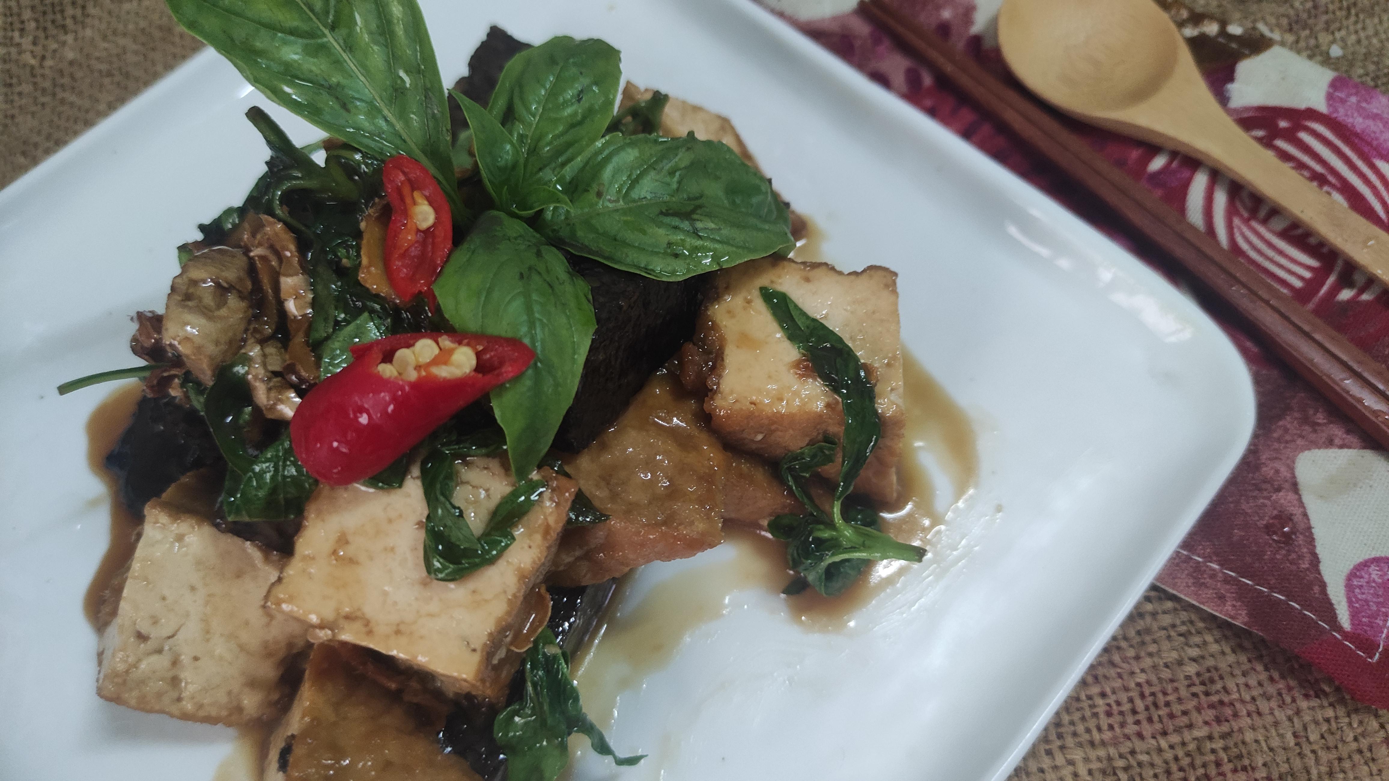 清冰箱料理-三杯油豆腐米血糕
