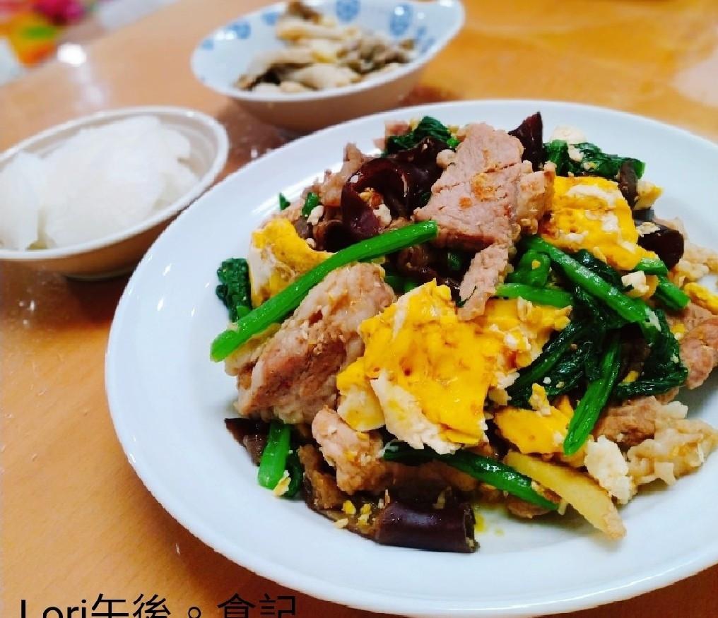 木耳炒豬肉+檸檬醃蘿蔔+薑燒味增菇