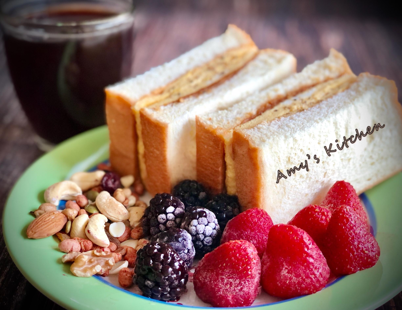 懶人早餐 - 莓果花生厚片