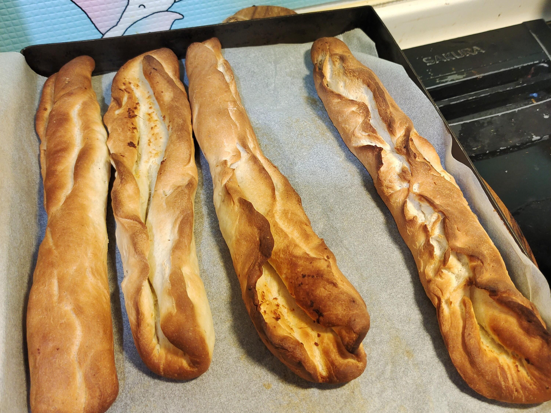 蒜泥義大利香料苦茶油米麵包