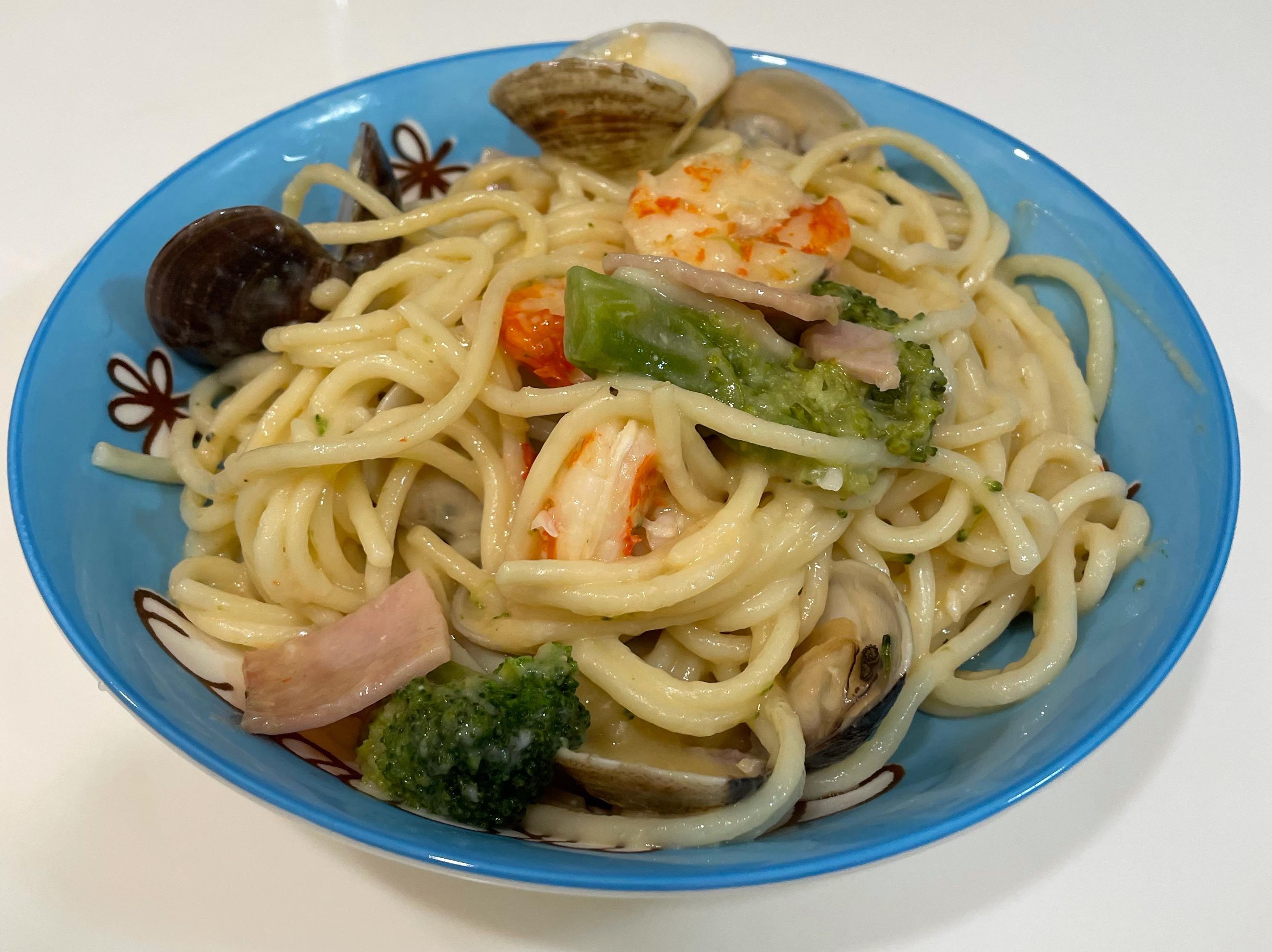 海鮮白醬義大利麵