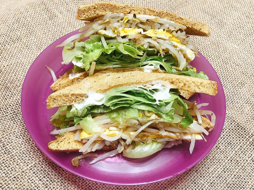 花生全麥蔬食三明治