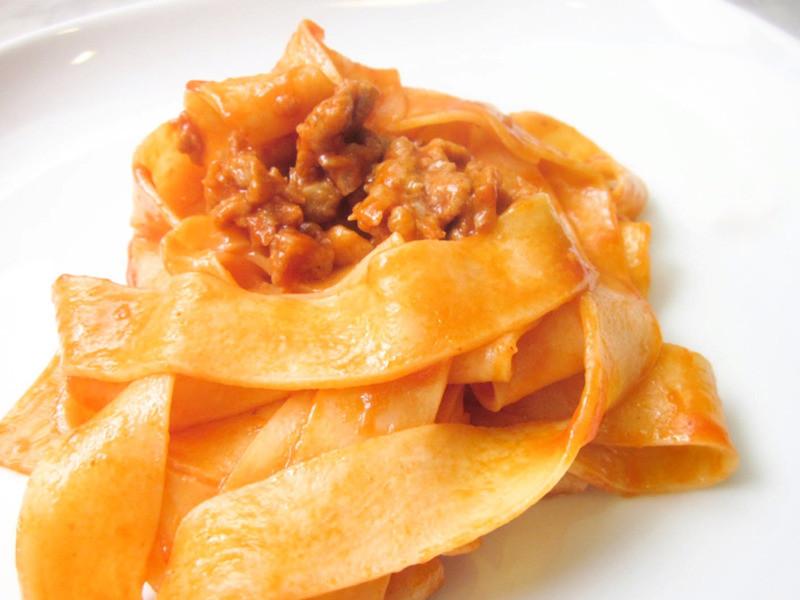 真的很好吃! 義式番茄肉腸大寬麵