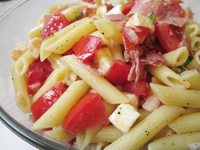 超快速! 蕃茄涼拌義大利麵
