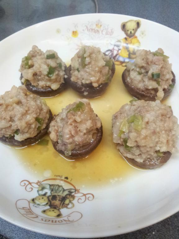 ♥ 香菇鑲肉丸