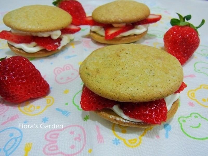 草莓海綿小蛋糕