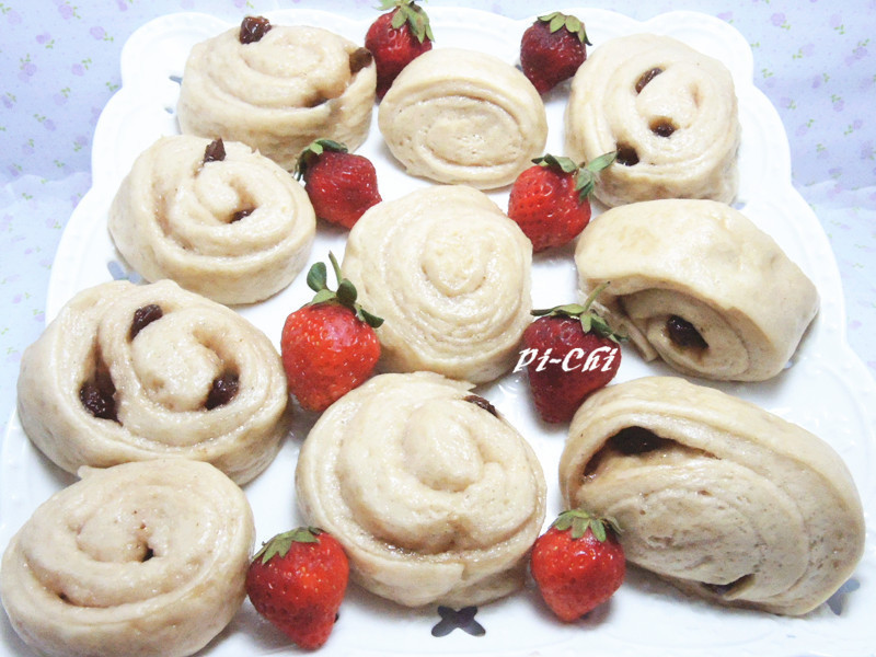 草莓葡萄煉乳饅頭