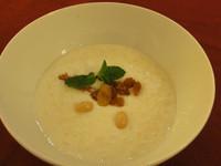 莫齊尼廚房中東菜--阿拉伯米布丁Muhallabieh