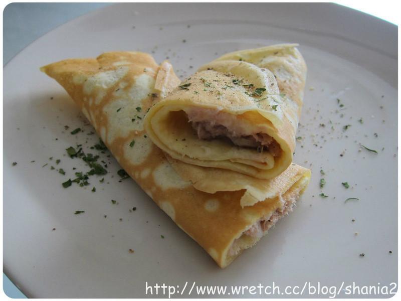 用鬆餅粉做 -  洋蔥鮪魚cheese 法式薄餅