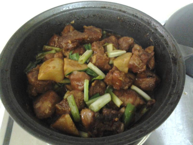 醬燒豬肉杏包菇