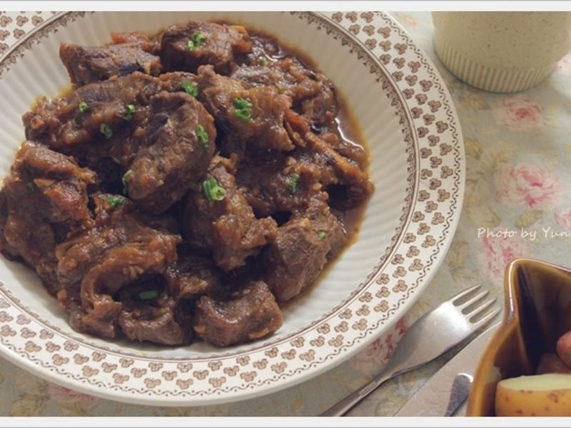 [Yun。在廚房]番茄燉牛肉