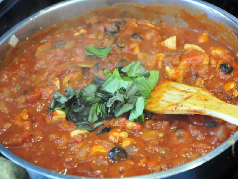 番茄橄欖雞肉義大麵醬 | Tomato Olive Chicken Red Sauce