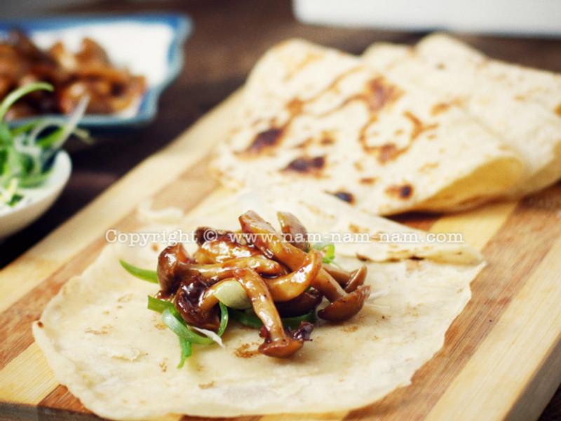 無肉版京醬肉絲與亞麻籽粉荷葉餅(非全素)