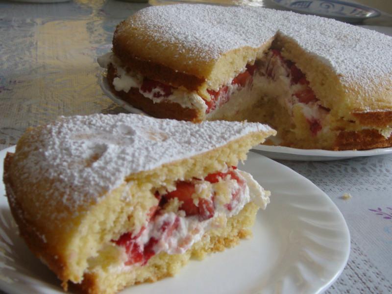 strawberry and cream victoria sandwich草莓奶油維多利亞三明治