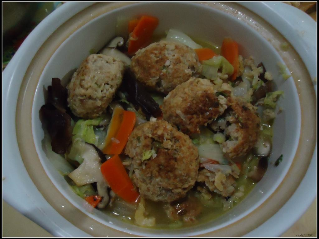 獅子頭滷白菜