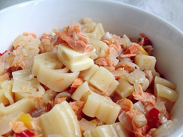 【副食品】起司洋蔥鮭魚義麵