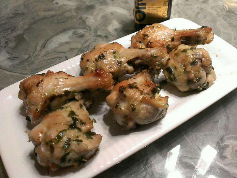 「得意的一天橄欖油」蒜味塔香烤小雞腿