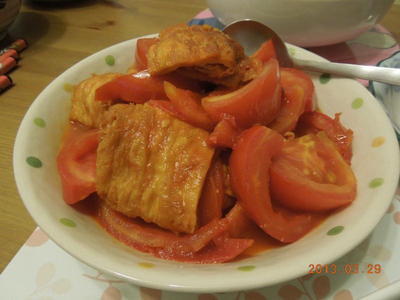 蕃茄炒豆包