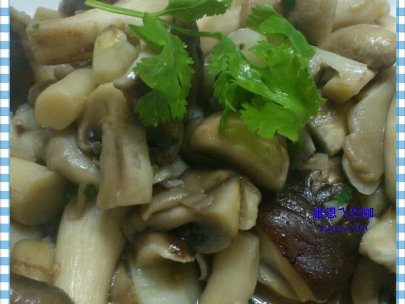 「得意的一天橄欖油」蒜片炒菇