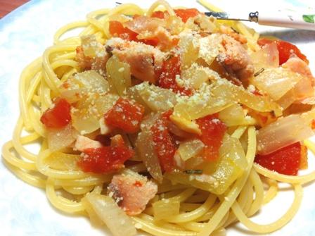 【得意的一天橄欖油】煙燻鮭魚義大利麵