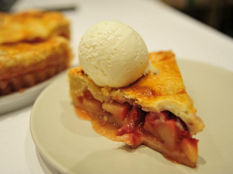 假日蘋果草莓派 | Holiday Strawberry Apple Pie