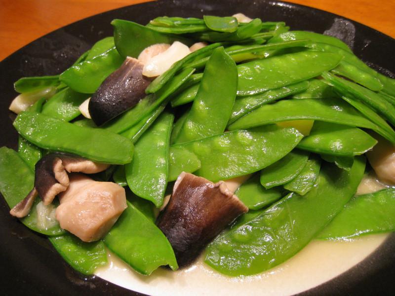 【粉豬兒】草菇扁豆
