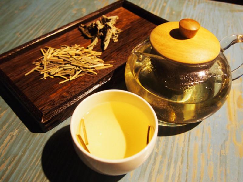 【擺浪饕餮】香茅刺蔥茶
