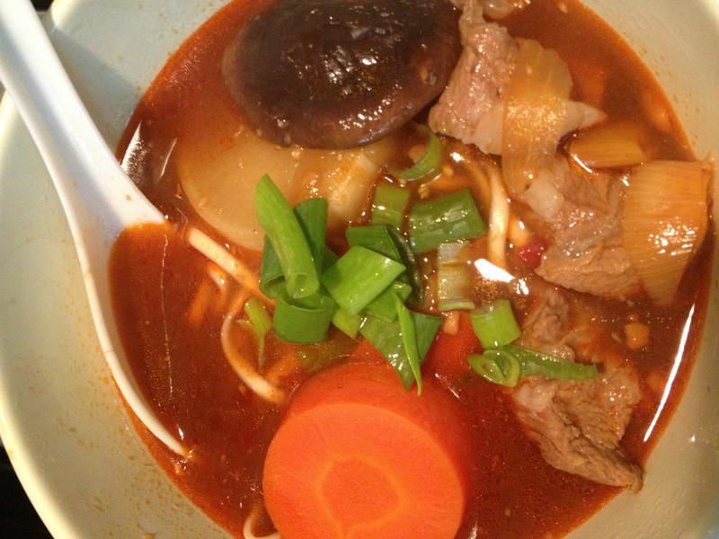 楓采琳之....紅燒豬肉麵