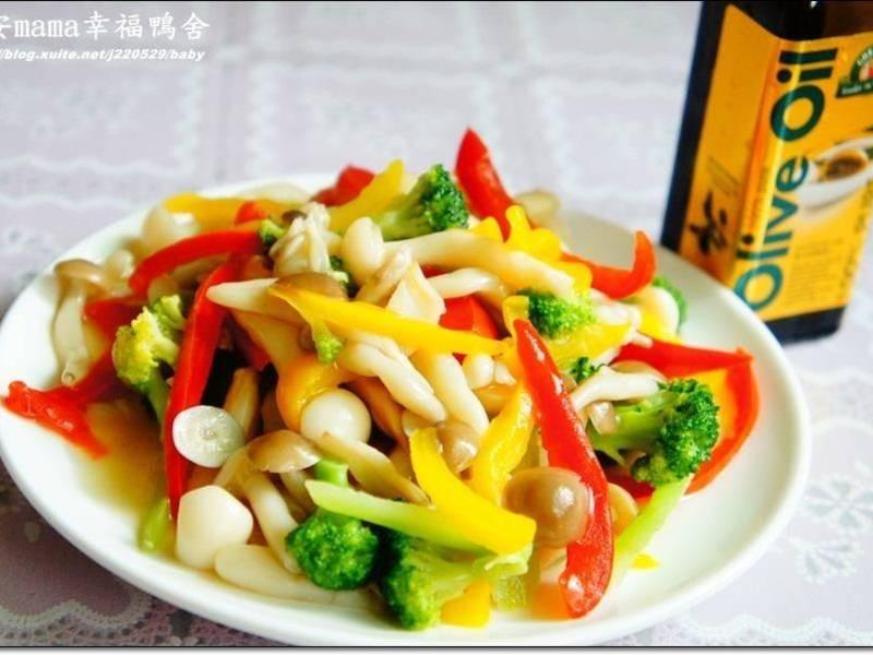 「得意的一天橄欖油」炒雙菇