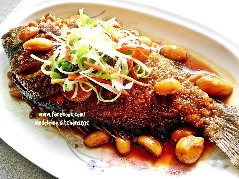 蒜燒寶石魚