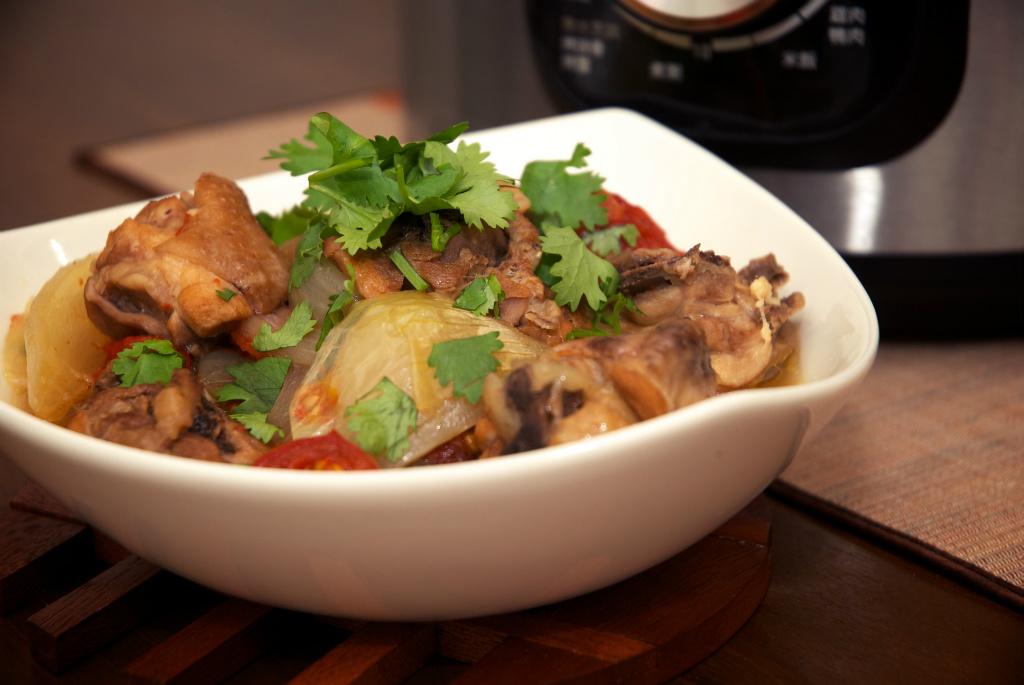 《我的廚房小心機》梅酒洋蔥燒雞