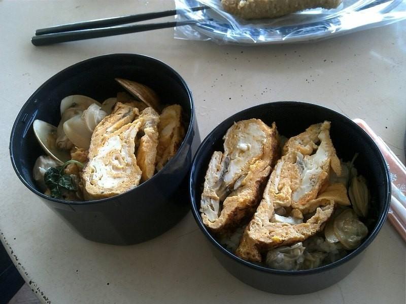 野餐便當!日式磨菇蛋捲&九層塔蛤仔