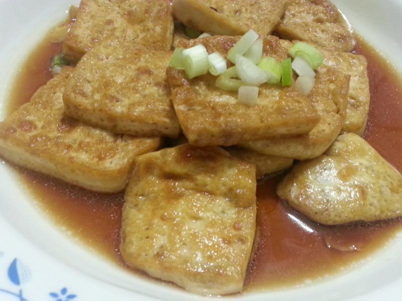 愛烹飪。醬燒豆腐