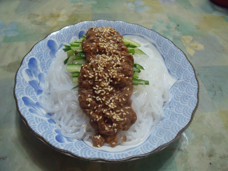 芝麻蒟蒻麵