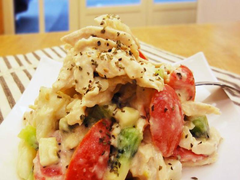雞肉馬鈴薯沙拉:鯨魚上菜囉