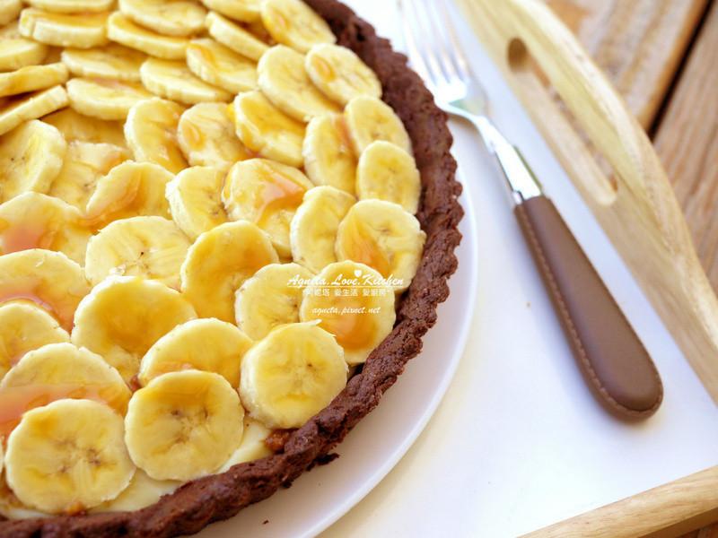 [阿妮塔♥sweet] 香蕉奶油布丁塔淋焦糖醬。