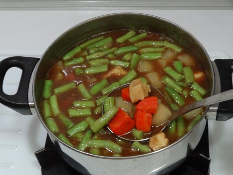 一鍋煮料理:咖哩雞飯