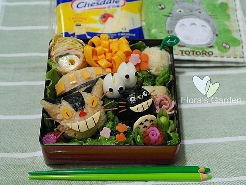 【芝司樂料理東西軍】龍貓巴士與龍貓