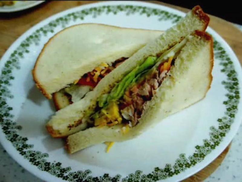 酪梨鮪魚三明治