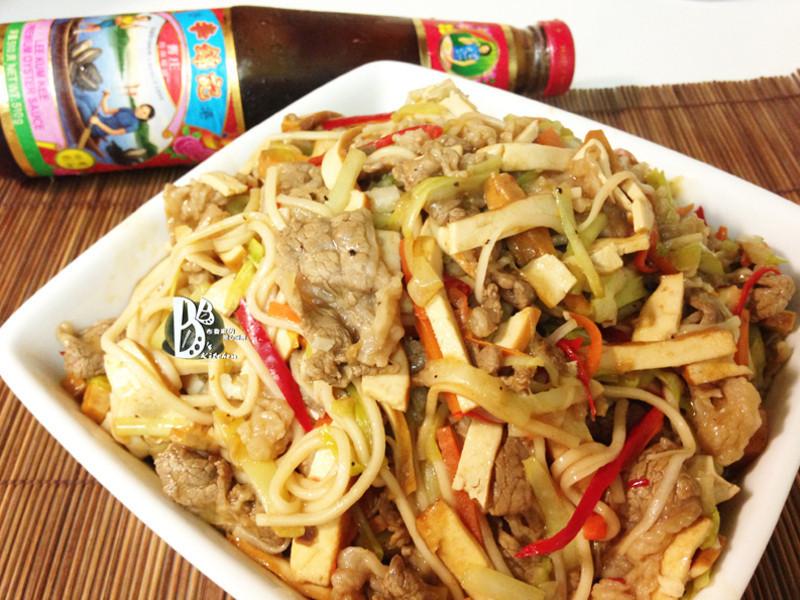 李錦記舊庄特級蠔油125週年-蠔油韮黃牛肉炒麵
