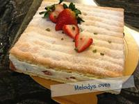 達可瓦茲蛋白餅鮮奶油慕斯蛋糕