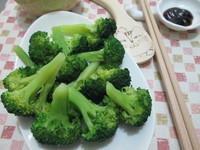 「李錦記舊庄特級蠔油」:燙青菜