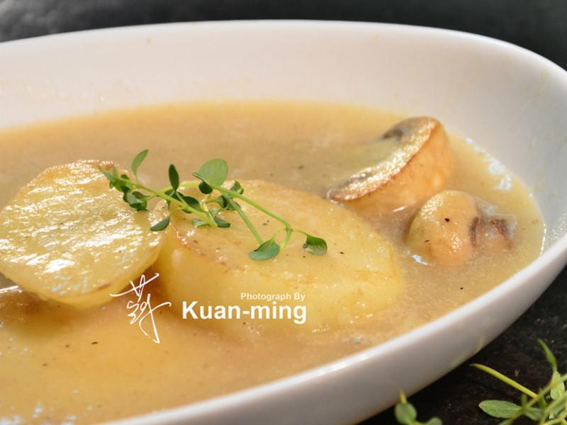 【差不多料理】馬鈴薯濃湯 Potato Soup