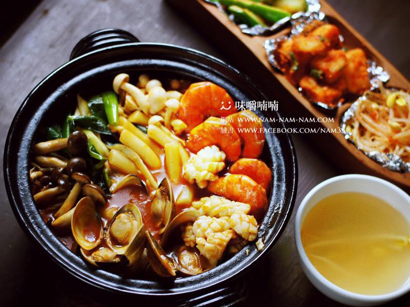海鮮辣炒年糕  해물떡복이